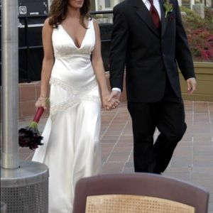 Monique Lhullier Wedding Dress